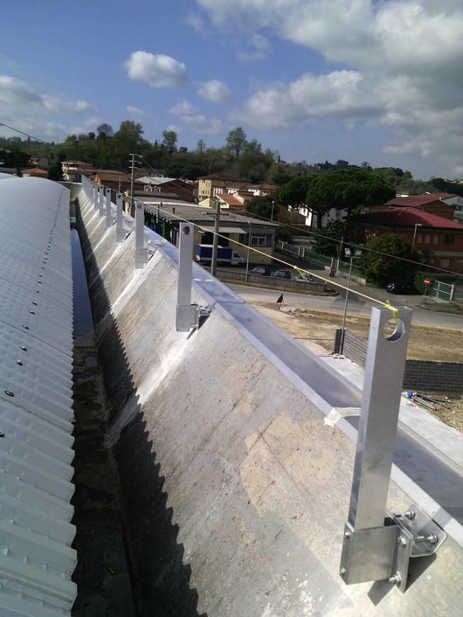 Installazione parapetto verticale in alluminio a Ponte a Egola | SafetyService